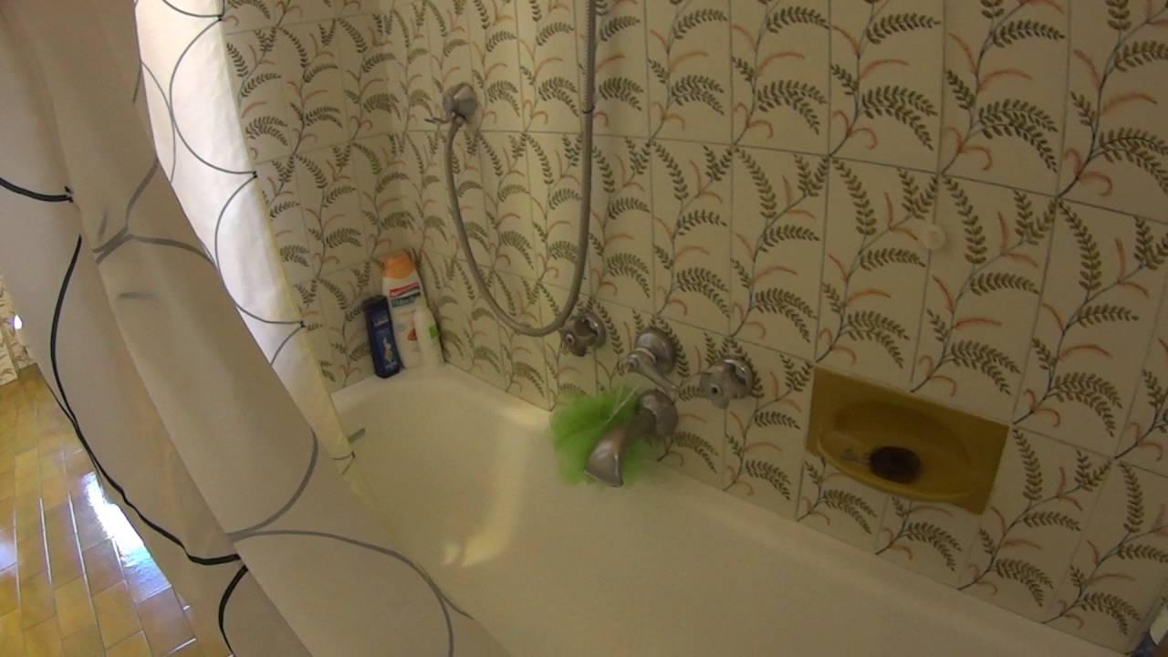 Spaziose stanze in affitto in un appartamento con 4 camere da letto con aria condizionata e balcone in Fiera