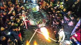I climb on the roof of my Lamborghini in the middle of 7000 people