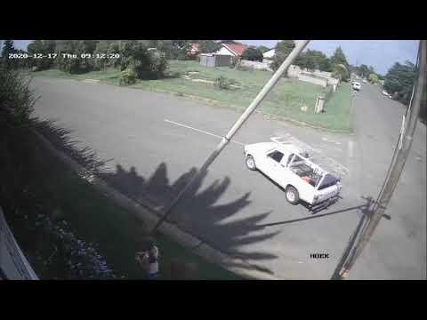 Kleinkind skok aan kragpaal voor ons huis in Brandfort