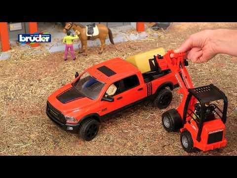 Neu BRUDER 63100 bworld Snowmobil mit Rettungsschlitten 5046288 Spielzeugautos