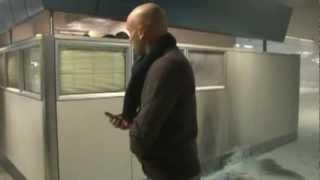 preview picture of video 'Fiumicino, uomo si da' fuoco in aeroporto'