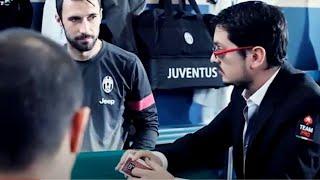 Prima Lezione Di Poker Per I Giocatori Della Juve: La Mano - First Lesson In Poker: The Hand