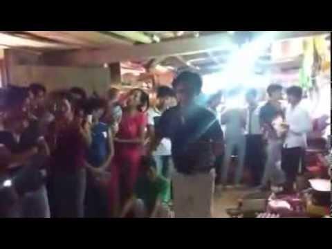 Lộ clip Hiệp gà làm DJ, Quang Tèo quẩy mông tưng bừng