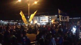 Arema Cronus Juara Piala Torabika Bhayangkara Cup Aremania Sambut Kemenangan