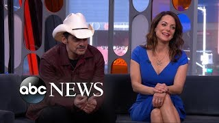 Brad Paisley And Kimberly Williams-Paisley On 'GoT' And The Store