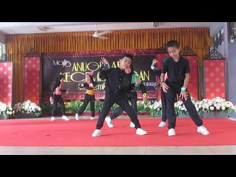 Action song, move and freeze (second grade SK Bangsar)