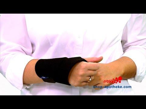 Die Handgelenkbandage von Hansaplast hilft schützt Ihre Handgelenke und beugt Verletzungen vor