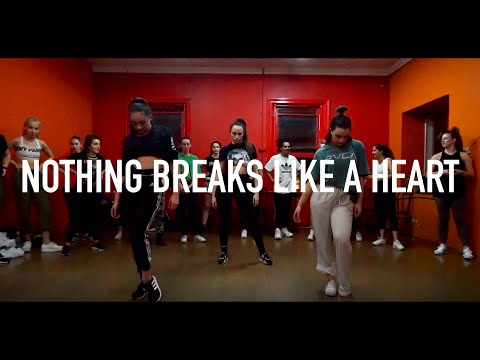 MILEY CYRUS & MARK RONSON - NOTHING BREAKS LIKE A HEART | Donnie Dimase #NothingBreaksLikeAHeart