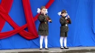 """Маленькие сестренки великолепно исполнили песню """"Катюша""""!"""