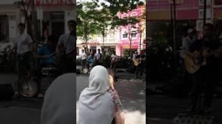 Eye- Bimbang Serumpun Kasih Terbuang Cover By Caliph Buskers