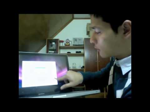 Photographer unboxing and setting up his Macbook Pro 15 inches MB985 2.66
