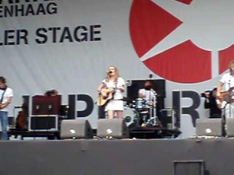 Miss Montreal- Seven Friends- live @ Parkpop 2009