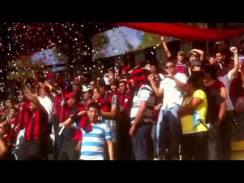 """""""Apoyo incondicional de la Legion Roja y Negra!! Vamos ferreti!!"""" Barra: Legión Roja y Negra • Club: Walter Ferretti"""