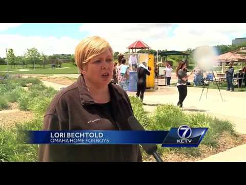 More than 900 nonprofit organizations take part in Omaha Gives