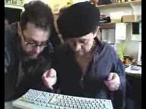 Ctvrtnicek a Polasek - Čtvrtníček startuje internet