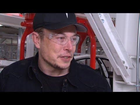 Why Tesla CEO Elon Musk doesn't consider himself a businessman