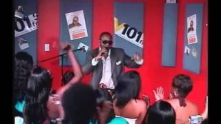 Johnny Gill Performs Fairweather Friend -  V101.5