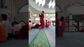 Heboh.. Gerakan Sholat Aneh Di Masjid Aliran Sesat Mulai Muncul