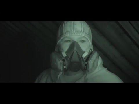 Die Maske für die Person die Kohle der Gelatinen und die Milch von den schwarzen Punkten