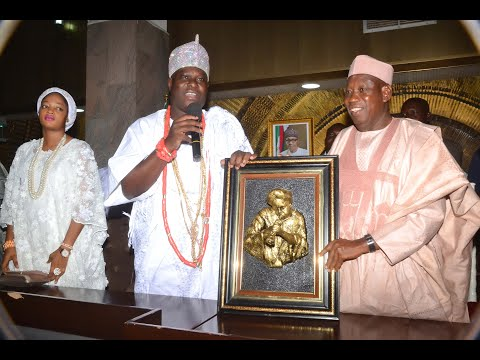 OONI OF IFE AND HIS BEAUTIFUL QUEEN LIVE IN KANO STATE GOVERNOR HOUSE
