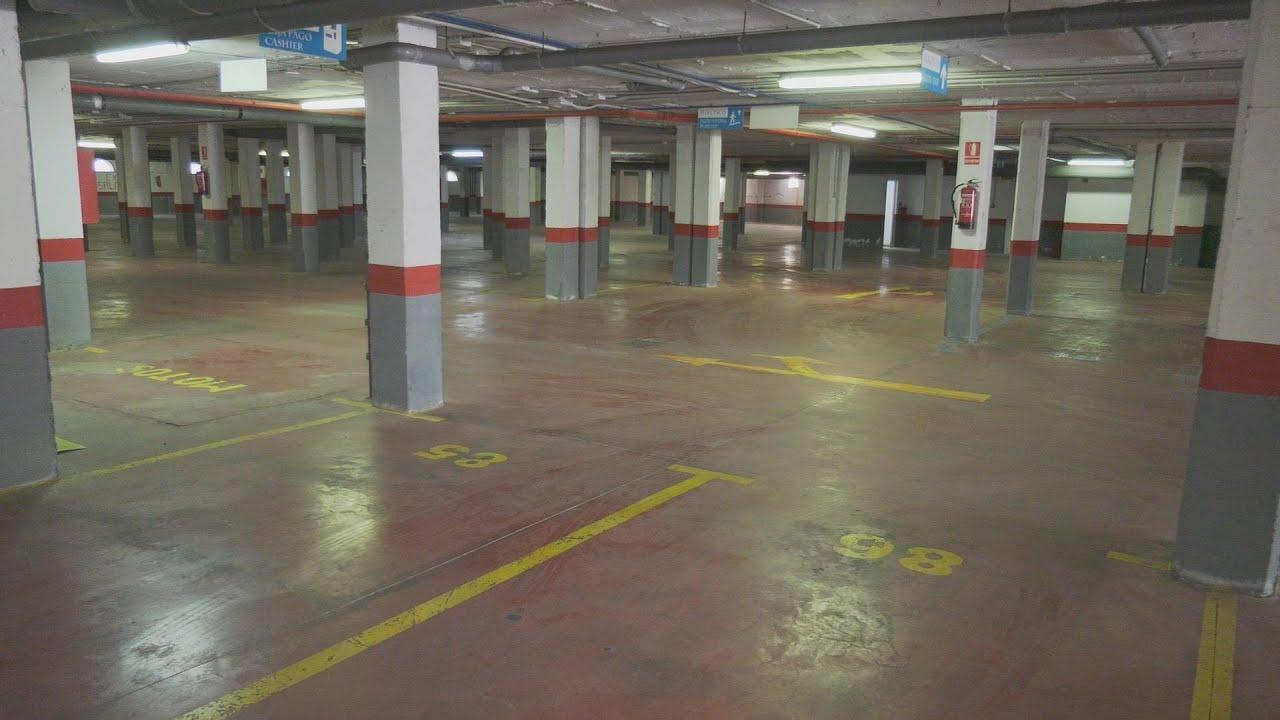 Abiertos los aparcamientos del Puerto y Sabinillas