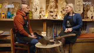 Митець та музикант Антон Лубій вчить дітей різьбярству