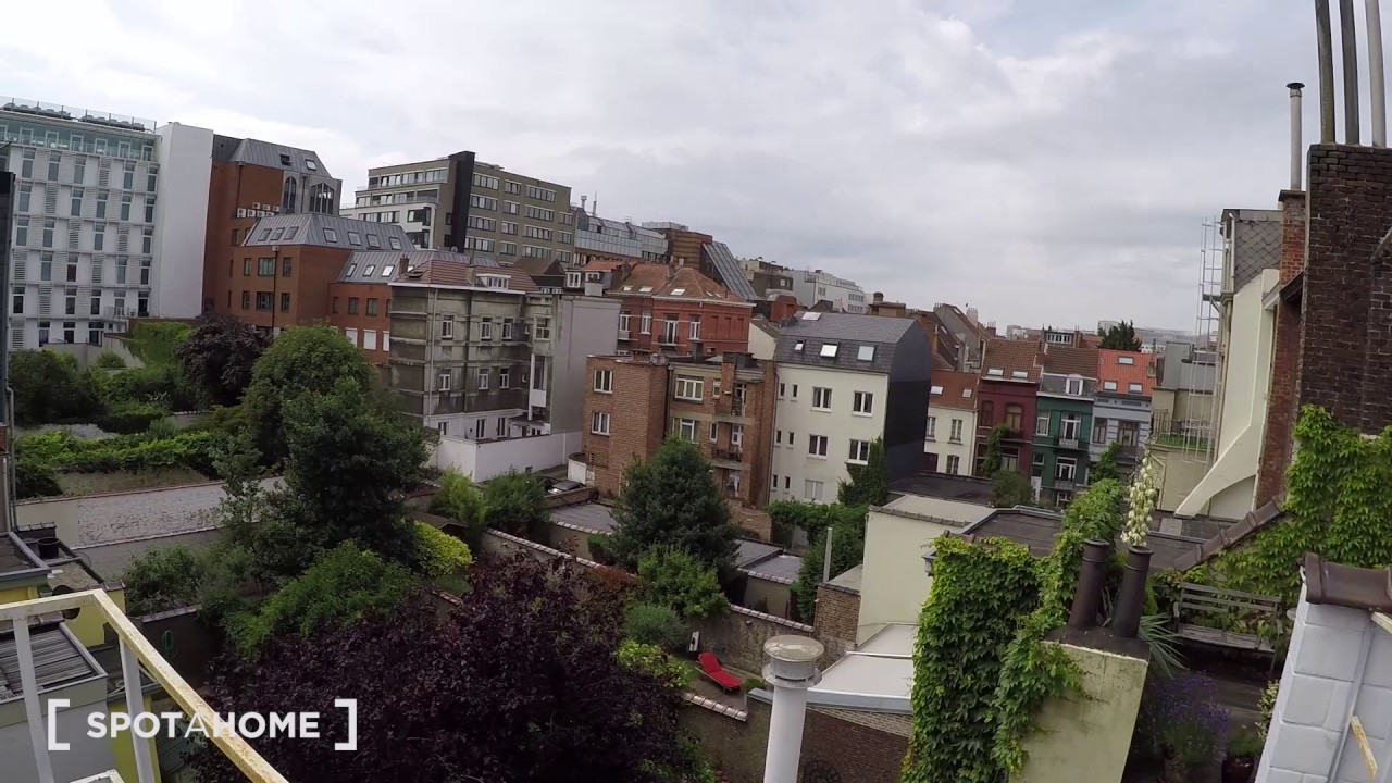 Stylish 1-bedroom apartment with terrace for rent in Schaerbeek area