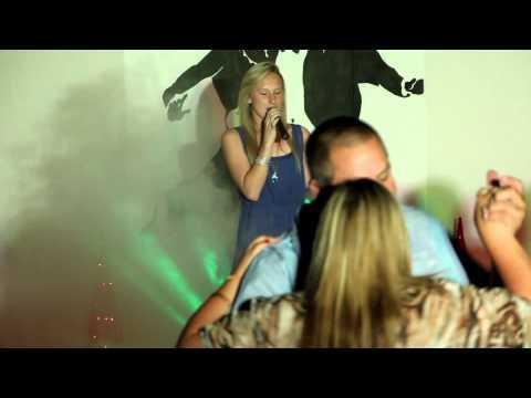 Andriette – Jy Vat My Hoër (Amber Kruger Cover)