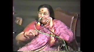 Discorso precedente il Diwali Puja, Programma musicale serale – concerto di sitar di Debu Chaudhuri thumbnail