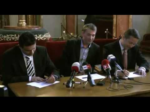 Mesterházy Attila is aláírta az LMP népszavazási kezdeményezését