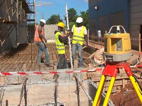 Visite du chantier d'extention de la Centrale e'lectrique BOBO II per le Ministre des Mines et de l'energie