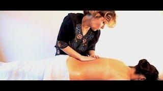 Смотреть онлайн Урок техники русского массажа девушке