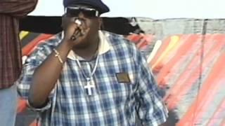 Notorious B.I.G. Throws Water Bottle At Big Kap