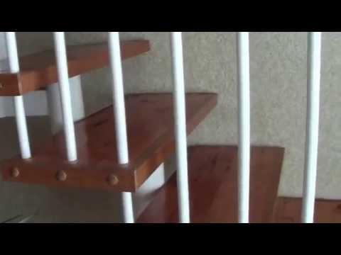 Лестница  из гостиной архитектора своими руками