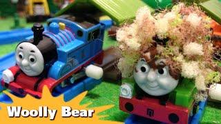"""トーマス プラレール ガチャガチャ けむしになったパーシー Tomy Plarail Thomas """"Woolly Bear"""""""