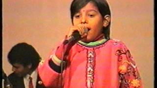 Baby Sunidhi Chauhan with DO RE MI LiveMusic   31.12.92  