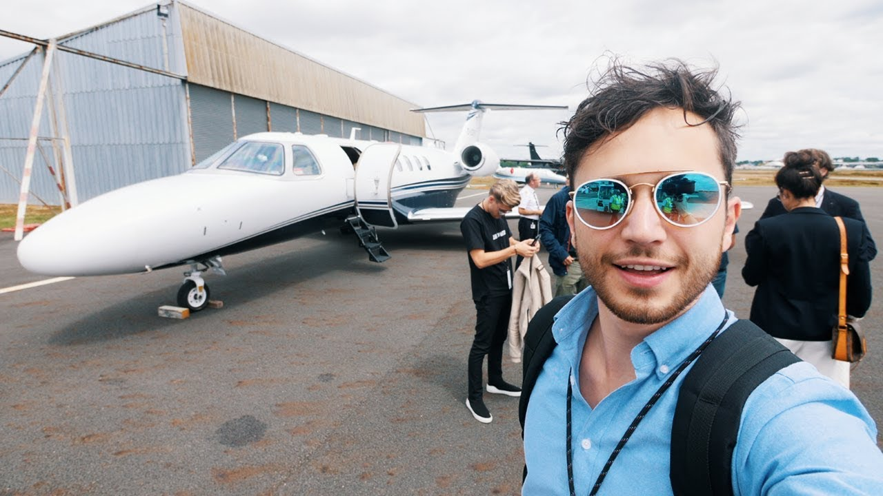 In a private jet to Le Mans