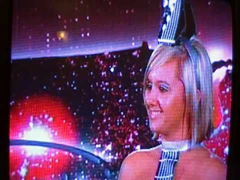 "Holly ""Guitar Girl"" Hardin Audition on American Idol 2010"