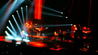 Barry Manilow Live-O2 Arena 2012-Who's Been Sleeping In My Bed