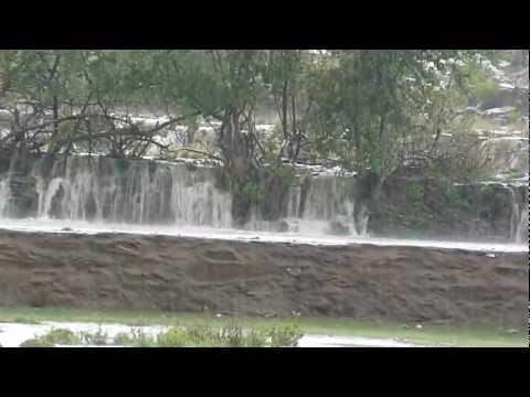 في تنومة لقطة رائعة لنزول المطر  1433هـ HD