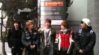 2011.2.25SHU-I札幌FMNORTHWAVE挨拶後タクシーを止める