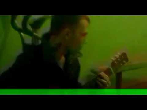 Ты не бойся..я и сам боюсь под гитару...