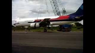 preview picture of video 'evacuation of tragedy sriwijaya air at supadio airport pontianak'