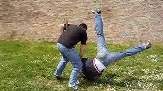 MUST WATCH (Best Self Defense Technique in a Fight