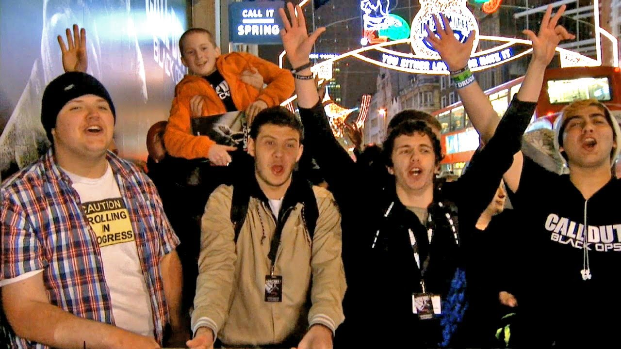 Black Ops 2 Launch Footage From Around The World (New York, Paris, UK, Toronto, Sydney) thumbnail