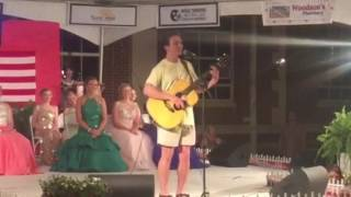 Tom Tippin singing Daughters