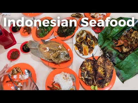 Video Indonesian Seafood - Feast at Wiro Sableng Seafood 212 Restaurant in Jakarta!