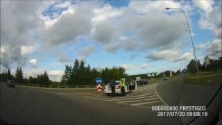 Водитель врезался в ограждение