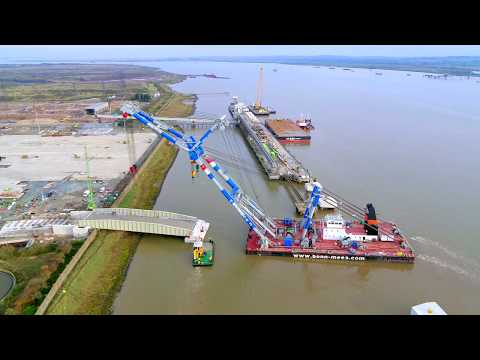 Bridge installation at Tilbury2