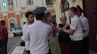 «Оле-оле-Олег!» Активисты попросили иностранных болельщиков поддержать Сенцова